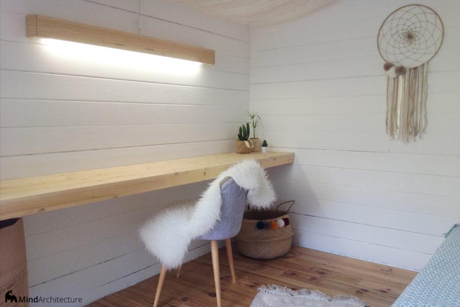 Abri de jardin boheme - bureau et éclairage - Mind Architecture
