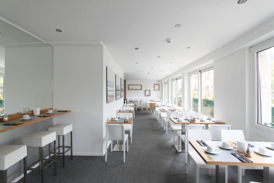 Salle de petit-déjeuner hotel Suisse - Mind Architecture